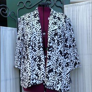 Beautiful bold print swing blazer- Size 22W